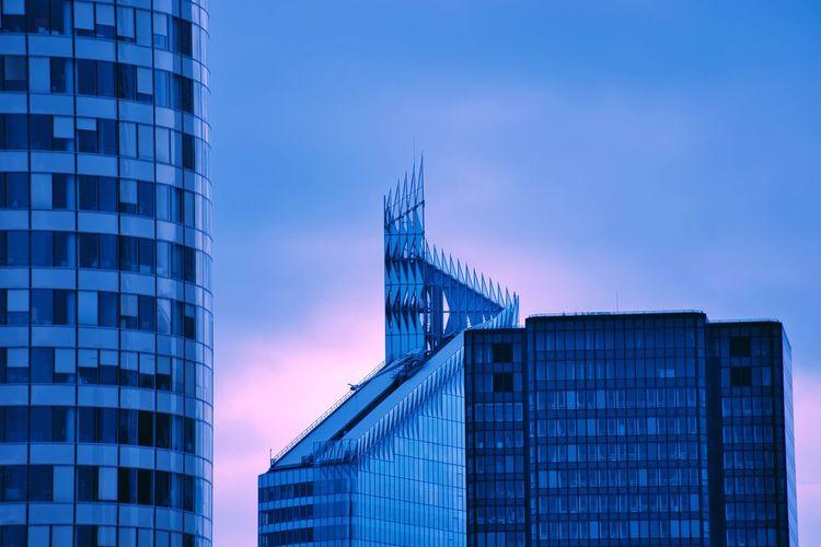 La Défense, Paris. EyeEm Best Shots Building Exterior Architecture Built Structure City Building Modern Office Building Exterior Sky Office Skyscraper Glass - Material Tower No People Reflection Outdoors