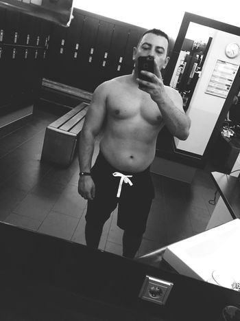 Taking Pictures Hello World Workout Taking Photos Gym Iron Gym Time Man Fitness Addicted Bodybuilding That's Me Check This Out Motivated NoDaysOff Blackandwhite Photography