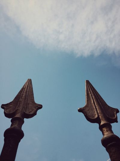 perspectives Low Angle View Sky Cloud - Sky Statue Day No People History Outdoors Sculpture Nature Close-up Objects Details Metal Structure Metalwork Spear