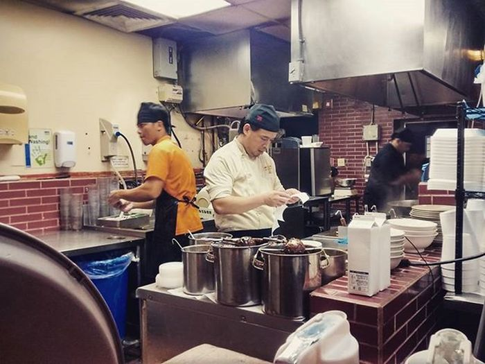 Alot of hard work goes into making that delicious food 🍜 TaiwanTonkotsuRamen FujiIchiban