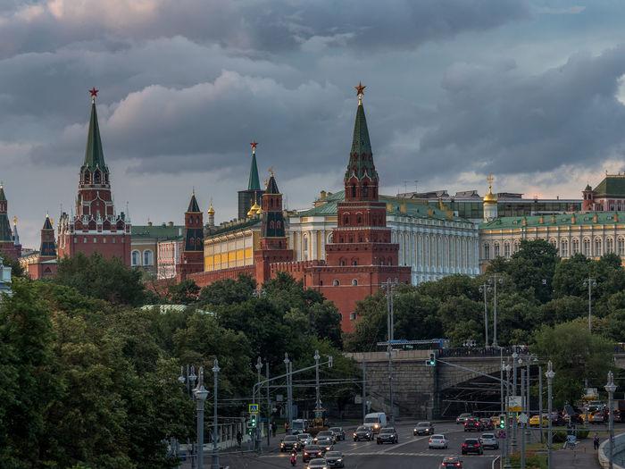 Spasskaya tower against cloudy sky