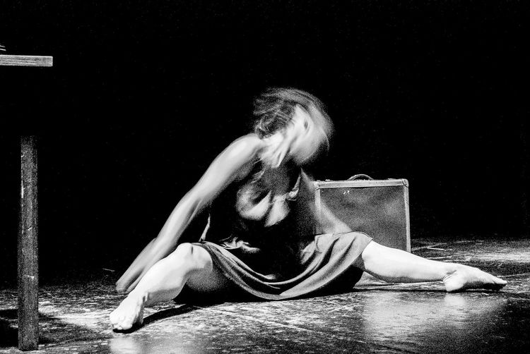 Beauty Dancing Dancer Adult The Human Body Only Women People Adult Foto Artistica Blanco Y Negro Artistic Photo Foto Creativa Black And White Artistic Photography Women Around The World