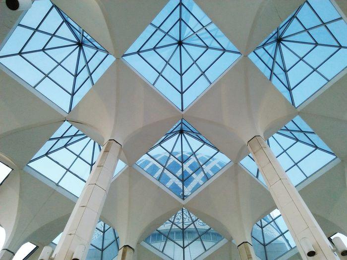 Business Finance And Industry Steel Architecture Symmetry No People Girder Sky Day Close-up Golf Club Islamic Architecture Islam #Muslim #Alhamdulillah #Pray #Dua #Sujood #Proud2beamuslim #Blessed #Subhanallah Beautiful Muslimah