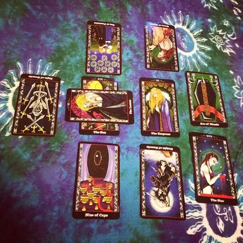 Question Questionreading Tarot Tarotreader tarotreading past present future tarotcloth psychic empath sponge
