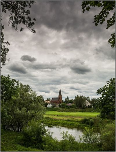 Złotoria k. Torunia Clouds Nature Summer Sky Clouds And Sky Nature Photography Tsf Nikon Nikon D7100 D7100 Nikonphotography Sigma 18-35 F1.8 River Riverside Water Riverside Photography Old Buildings Architecture Neogothic Church