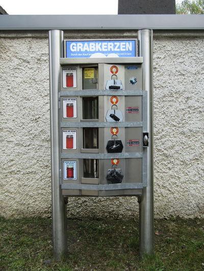 Friedhof Graveyard Kerzen Candles Automat Wien Vienna Austria Liesing Rodaun Crave Candle Grabkerzen