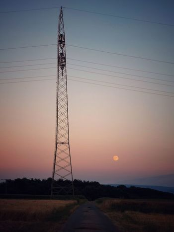 Mondaufgang... Moon Mondaufgang Moonrise EyeEm Nature Lover Eye4photography  PhonePhotography Mobilephotography Phoneography Simplicity In Nature EyeEm Best Shots Sky Sunset Technology Electricity Pylon Electricity  Connection Nature Power Line  Power Supply Silhouette Beauty In Nature Landscape Field Tranquil Scene Moon Mondaufgang Moonrise EyeEm Nature Lover Eye4photography  PhonePhotography Mobilephotography Phoneography Simplicity In Nature EyeEm Best Shots Sky Sunset Technology Electricity Pylon Electricity  Connection Nature Power Line  Power Supply Silhouette Beauty In Nature Landscape Field Tranquil Scene