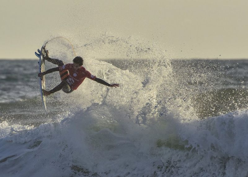 October 30; Filipe Toledo, world chapion surfing during his final run today. Adventure Champions Final Moche Rip Curl Pro Surfing Nature Outdoors Portugal Power In Nature Riptide Sport Surf Surfing Toledo Wave World Champion World Surf League Wsl Surf's Up Photography In Motion