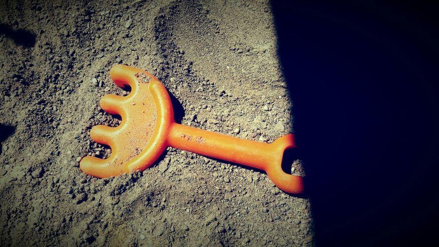 Playing Sandkasten Sandkasten Idylle Orange Sand Spielzeug Kids Rechen Love Kids Brown Sun Effect Licht Und Schatten