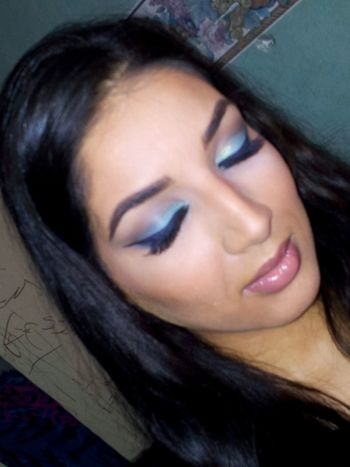 Suivezmoi Make Up Artist Turquoise Hello World Popular Photos Photo Around You Eye4photography  Paris