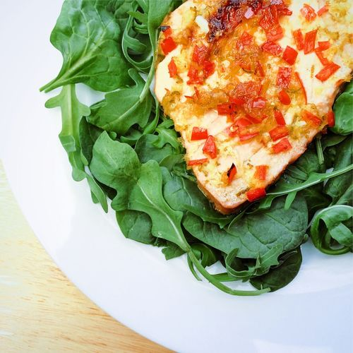 Chilli and Ginger Tuna steak with leaf salad Tuna Steak Tuna Fish Tuna Steak Red Chilli Ginger Green Leaf Salad