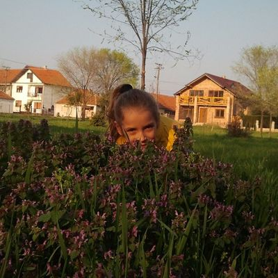 Instaspring Instaflower Mia Ilovezr bagljas child instaserbia meadow