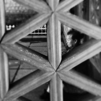 Peeping #Hipstamatic #Oggl #Tinto1884 #BlacKeysXF Hipstamatic Tinto1884 Oggl BlacKeysXF