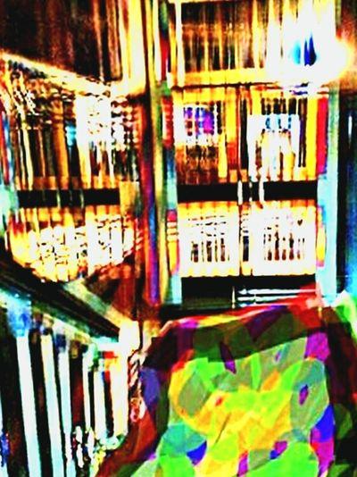 EL ROJO ES LA ESPERANZA AUNQUE SIEMPRE VERAS LINEAS NEGRAS ..Que adornabàn lindos jardines de Flores . EyeEm Best Edits EyeEm Barcelona Meetup Taking Photos EyeEm Madrid Meetup The Human Condition Bilbao - Lights And Colors Barcelonaairporttranfers Doing Paper Check This Out Relaxing