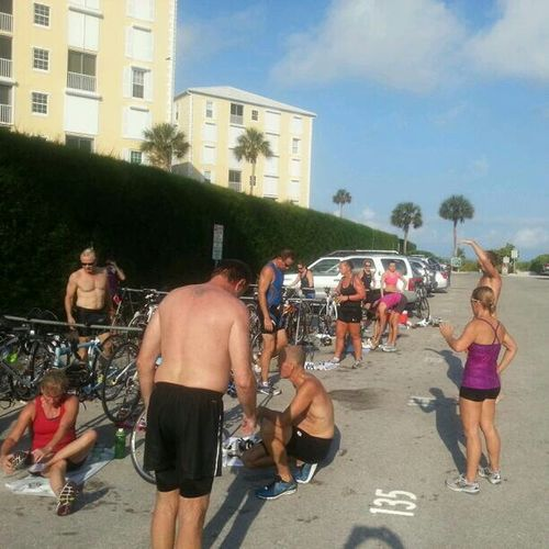 Folks who love to play & train at #triathlon ... http://leapfrogrunning.com