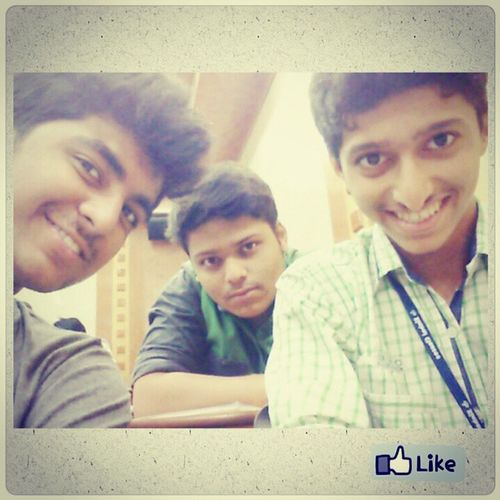 Bored Sitting In Lectures ..... Try Out A Selfie ....... It brings Smile on ur face 4 sure .......√_* B) SelfieAddicteds SinhalsIITians CandiCam Rollit Sirs Lecture Physics Lecture Photogrid