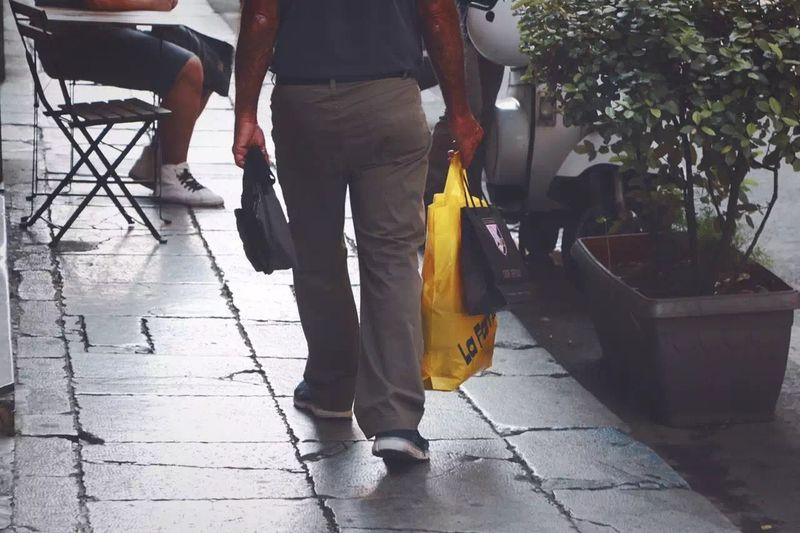 Man Traveling OpenEdit Yellow Sicilia Streetphotography Legs Italy
