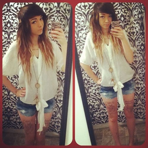 Out fit of the day :) Ootd Hipstergirl Hipstergirlsswag Ombrehair blueeyesdreamcatcherlonghairdontcare