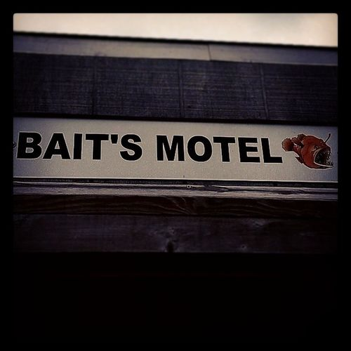 Figured I had to post it Baitsmotel Batesmotel Gonefishing Marina Psycho Alfredhitchcock RobertBloch Horror Thriller Suspense Mtk Montauk Longisland NY Newyork Summer August