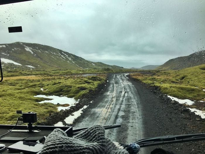Driving Highlands Great Atmosphere Wet Offroad Iceland116
