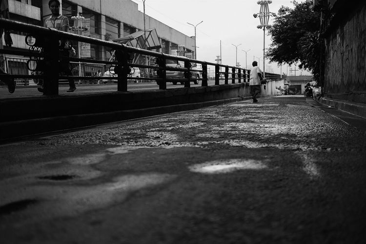 EyeEm Best Shots Urbanphotography Eyeem Philippines Createexploretakeover TheCreatorClass Manila, Philippines EyeemPhilippines VSCO Hypebeast  Hypebandits Urban Lifestyle Createyourhype Mkexplore Myeverydaystreet Createexploreandtakeover Streetphotography Street Photography Street Life Streetlife Urban EverydayStreet City Life The Struggle Showcase: December B&w Street Photography