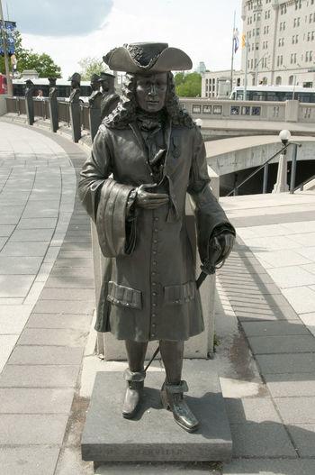 Statue of Pierre Le Moyne d'Iberville City Memorial Ottawa Pierre Le Moyne D'Iberville Valiants Valiants Memorial Canada City Iberville
