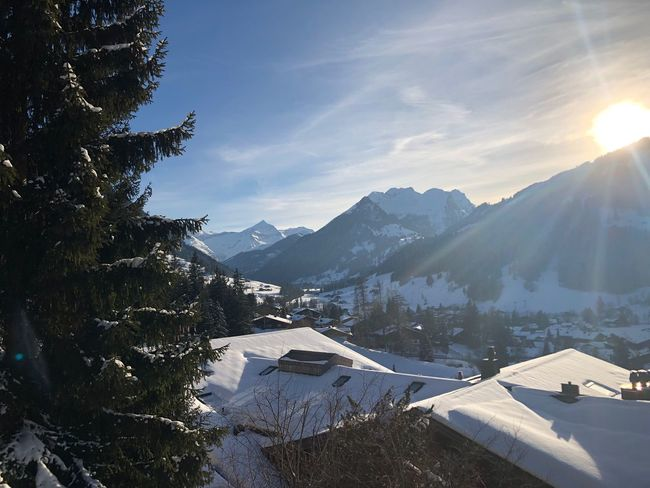 Valentine's Day sunshine I❤️Gstaad Valentines Day Bolonie Style Bolonie Art Bolonie Mountain Cold Temperature Snow Winter House Nature Beauty In Nature Building Exterior Sky Sunlight Built Structure Mountain Range Scenics Outdoors Architecture Day No People Roof Tree EyeEmNewHere