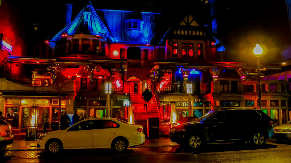 I love how the coloured lights add coolness & modernisation to these historic buildings. Not something one would expect in a quaint, small town. Night Car Illuminated Red Nightlife City The Week On EyeEm EyeEmNewHere HelloEyeEm EyeEmBestPics EyeEmbestshots EyeEm Gallery EyeEm Vision Travelphotography Thankyoucanada Labelleprovince Explorecanada Québec Canada Built Structure Street Building Exterior