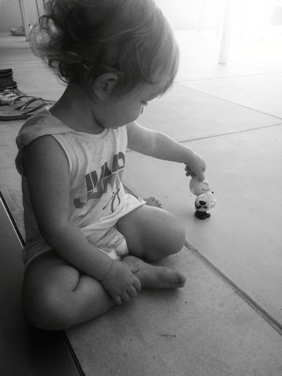 August 2016 Baby Blackandwhite Capture The Moment Girl Linus Myjob Palying Photography Photoshoot Portrait Snoopy Timewithkids Twin Sister Working