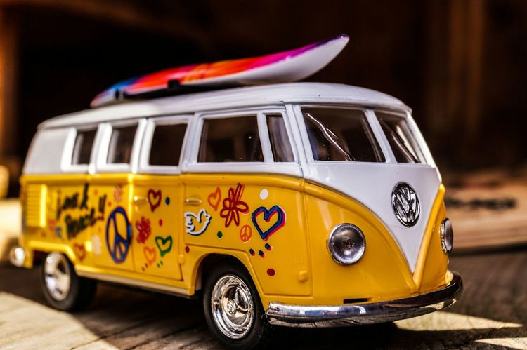 RePicture Growth Toy Vw-bus Volkswagen VW T1 VW T1 Yellow Geteiltscheibe Macro Dream Sony Alpha 58