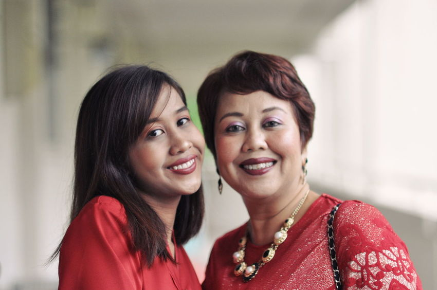 Humansofsingapore HariRaya Togetherness Smiling Real People Bonding Females Happiness Portrait
