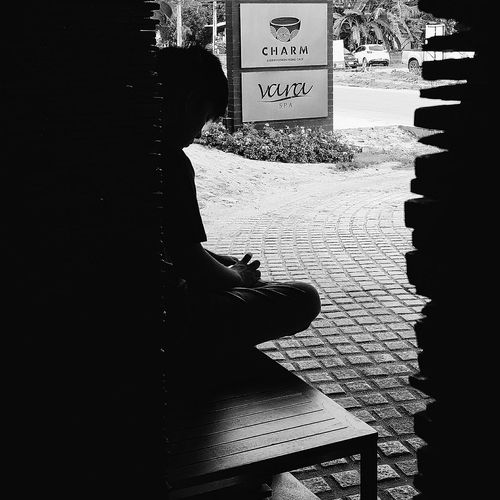 The Tourist Son Silhouette Waiting For Transport Maenam Koh Samui Thailand Travelphotography Streetphotography Bnw Bnwphotography Bnwcollection Bnw_captures Bnw_world Bnw_streetphotography Bnw_kohsamui Bnw_thailand Bnw_travel