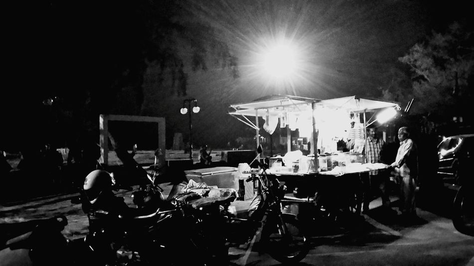 Streetlife Streetphotography Night Lights Nightphotography Black And White Black And White Photography Beach Enjoying Life Lazysunday Street Streetlife.