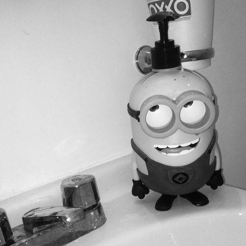 Inkwall Minnion Soap Shampoo jabón lol funny wash your hands dude my house bathroom ae