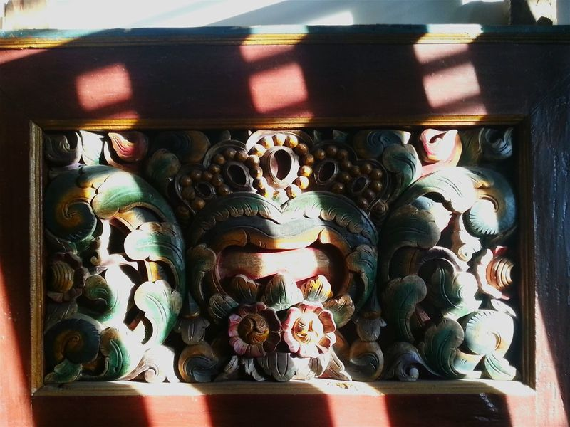 ...high contrast Freelance Life Wood - Material WoodArt Wood Carving EyeEm Indonesia Check This Out Afternoon Traditional Culture Madura Culture Wooden House