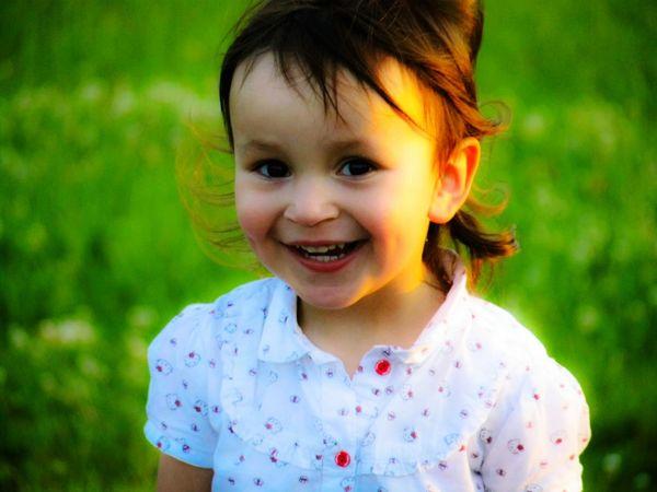 Little Girl Portrait Of A Child Portrait Of Innocence Candid Portraits EyeEm Portraits EyeEm Best Shots - People + Portrait Children's Portraits Creative Light And Shadow Summer Views Everyday Emotion
