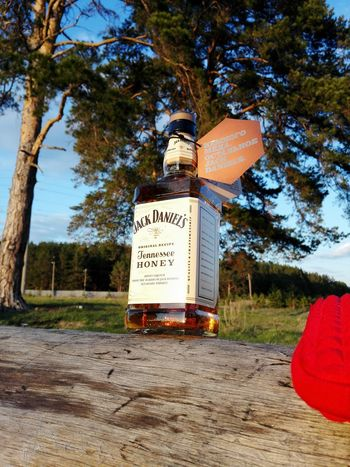Jackdaniels Honey Holydays Drink Friends Nofilter Noedit PhonePhotography Relaxing