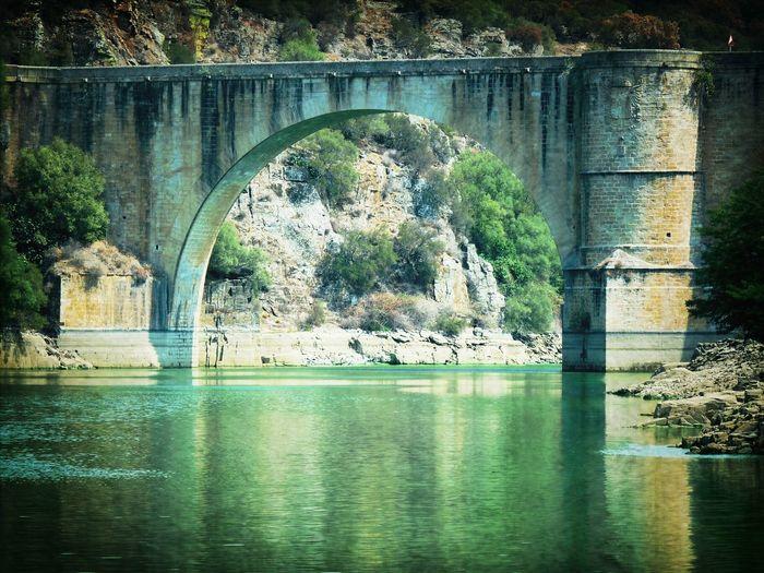 Puente sobre el rio Tajo.