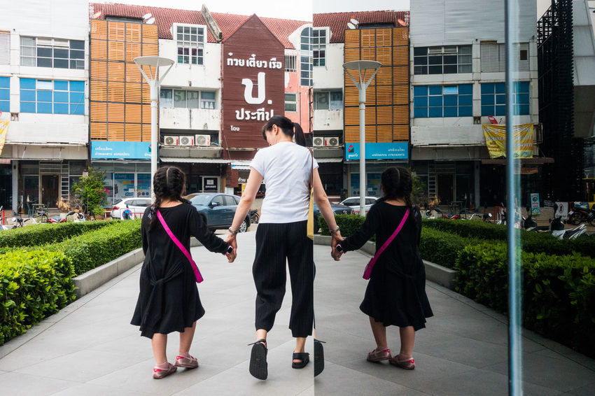 Day Real People Rear View Sony Sony RX100 IV Street Photography Streetphotography Walking Women The Street Photographer - 2017 EyeEm Awards