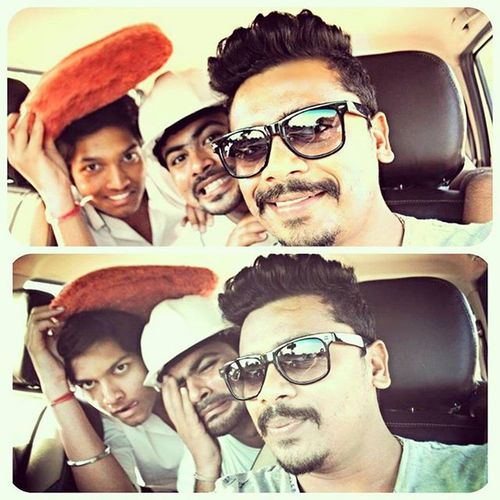 Skychauhan Fun Masti Style Selfie Withbrothers Lookingfunny Funnyselfies Enjoying Inthecar Ontheway Me Widbros V We Havinggoodtimes Remembers Funtimes Smile India !!