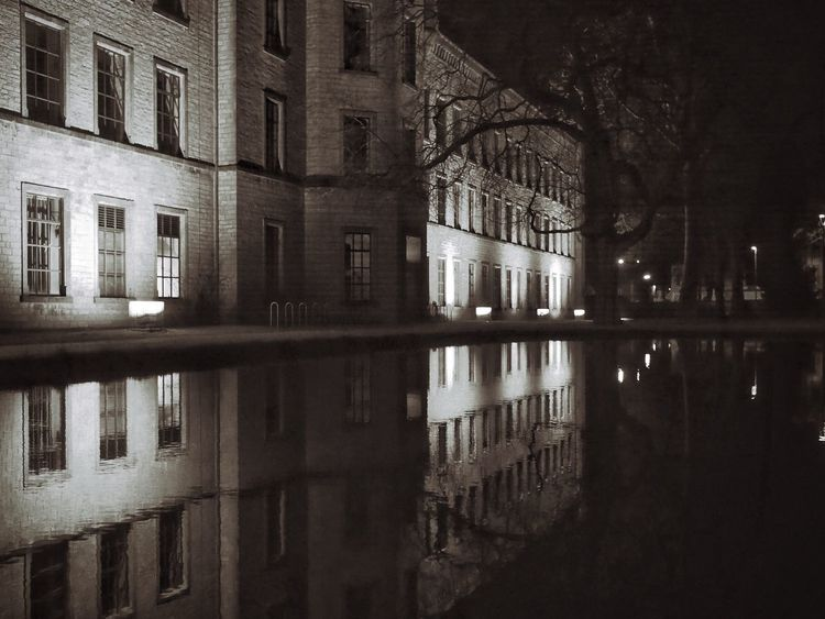 Three years later - MAinLoveWithReflection Retrospective Thinking Reflection Light And Shadow Shadow And Light Water Building Architecture Exterior Water Reflections Night Night Photography Urban Urban Exploration Urban Photography Monochrome Black And White Bnw Bnw_collection Bnw_maniac No People City City Lights How I See The World - 25.03.2017 - #RavensbergerPark #Bielefeld