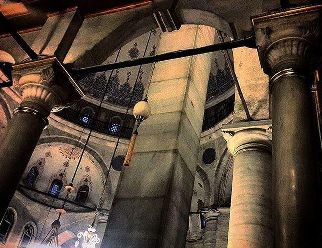 Istanbul Türkiye Turkey Travel Journey Oldtown Art Architec Architecture Oldmosque Mosque Religion_for_peace Oldtown Impressive Eyüpsultan  Eyupsultan_mosque Eyüpsultancamii Shadow Interior Instagram_world Instadaily Instamood Comeseeturkey Oneistanbul City instalike Camii Cami