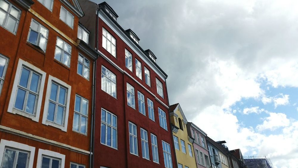 Kopenhagen Houses Colorful Sky And Clouds Windows Reflcetions