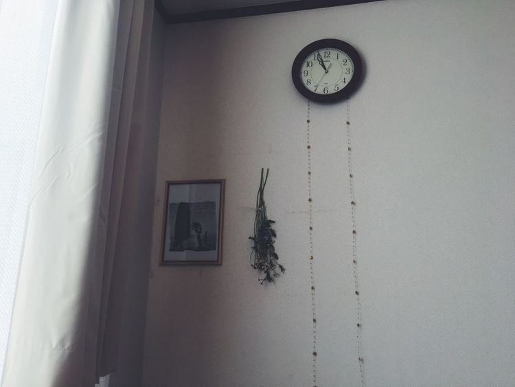 Clock Time Wall Clock Hanging Indoors  No People Instrument Of Time Clock Face Day Minute Hand Lasy Nothingtodo Good Times