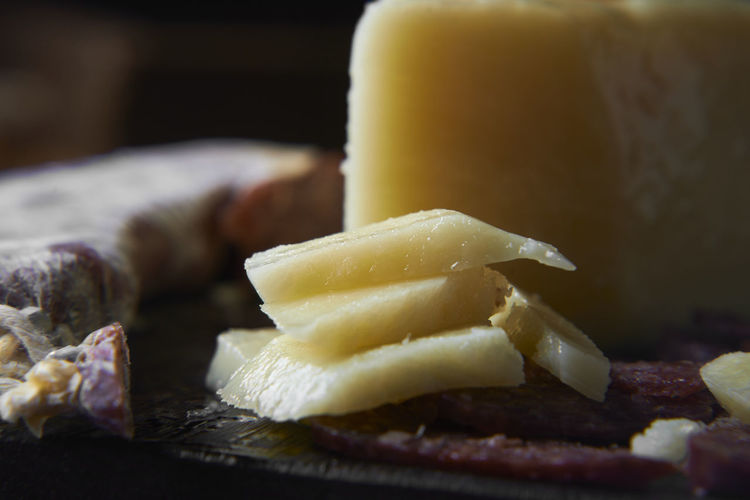 Cheese Close-up Dairy Product Delicatessen Delicious Food Focus On Foreground Food Food And Drink Freshness Healthy Eating Indoors  Indulgence Meat No People Plate Ready-to-eat Salami Selective Focus Sliced Snack Still Life Table Temptation Wellbeing