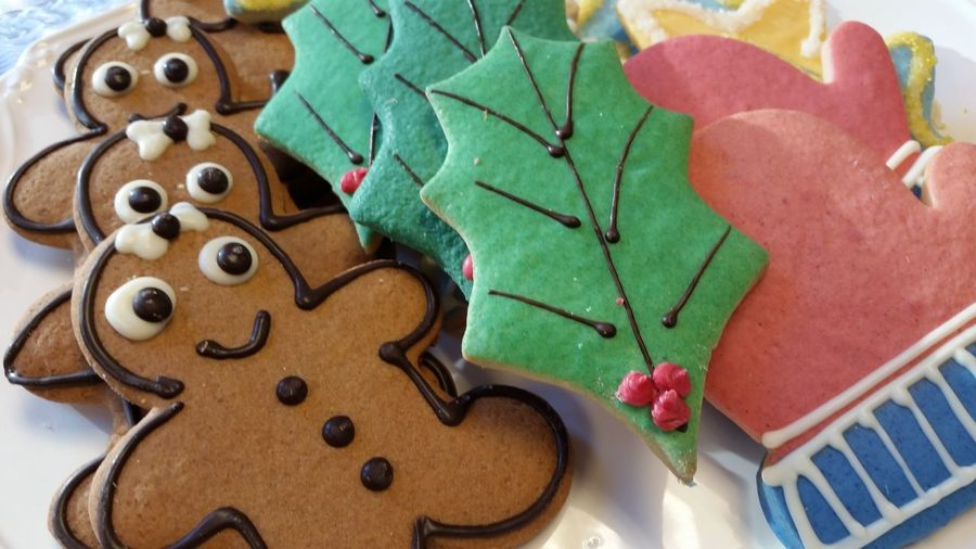 Cookies Christmas Cookies Gingerbread Cookie High Angle View Mitten Shaped , Christmas Cookies Sugar Icing Holiday Desserts Unhealthy Eating Smiling Green Color No People Close-up Indoors  Leaf Day Mitten-shaped Christmas Cookies Visual Feast
