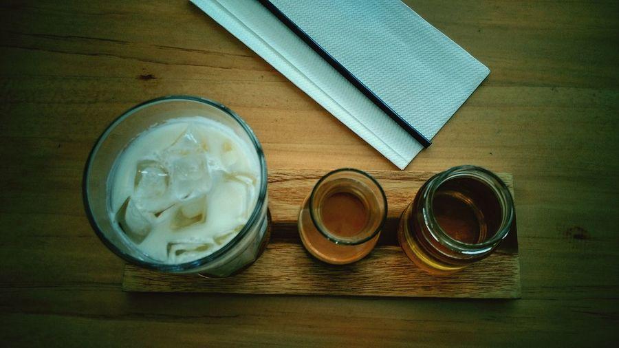 Ice Vanilla Coffee Latte