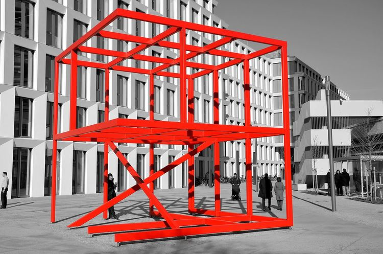 Modern Art Red Neonred Architecture Minimalism Berlin Photography Berliner Ansichten Cubefotografie Steel Steel Structure  Red Cube Moderne Kunst  Neonlights. Blackwhitecolour Stahl Keycolor Unfinished Neon Life