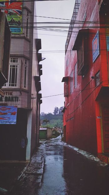 Berastagi street Ilovephotography Iloveindonesia Visitindonesia INDONESIA Indonesia Photography  EyeEm Gallery EyeEm Selects EyeEm Best Shots Nature Beautiful Medan Beauty Berastagi Streetphotography Street Street Photography Sumut Water Wet Architecture Building Exterior Built Structure Reflection No People Outdoors City Day Flood Puddle Sky