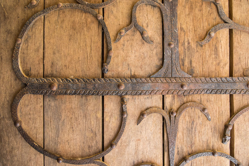 Medieval Medieval Art Ferronnerie Ironwork  Iron - Metal Door Medieval Art And Craft Backgrounds Full Frame Textured  Wood - Material Brown Pattern Directly Above Close-up Weathered Knotted Wood Wooden Rusty Worn Out Aged Art